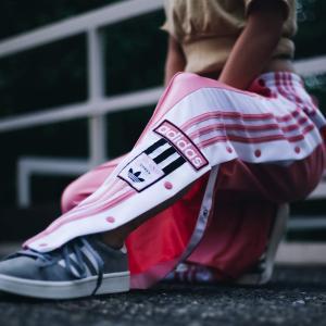 アディダス オリジナルス adidas パンツ アディブレイクトラックパンツ (タクティルローズF17) 18FW-I|atmos-tokyo