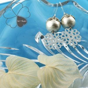 コットンパール ピアス ホワイト 白いお花のチャーム付き プレゼント|atorie-shun
