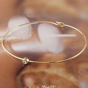 ブレスレット ブルームーンストーン 一粒 イエローゴールドk18 バングル 18金 6月誕生石 レディース 宝石