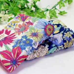ガーゼハンカチ 8重ガーゼ ハンドメイド 大きな 花柄 フラワー タオル プレゼント 母の日 祝 粗品 S|atticotti