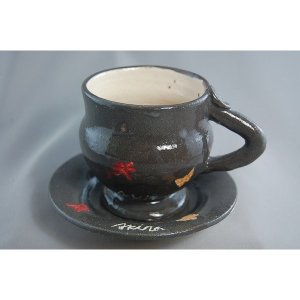 akira-14 トンボとちょうちょのメルヘンな コーヒーカップ &ソーサー荒川 明作 【文部大臣奨励賞受賞】 化粧箱付き 送料無料 ギフト、還暦祝い|auctogei