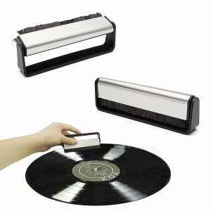 【ノンパッケージ版】OPULA カーボンファイバー Record Brush レコードブラシ|直輸入品|audio-mania