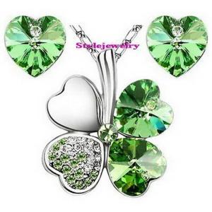 ジュエリーセット スワロフスキー クローバーグリーン Green White Gold Plated Green Four Leaf Clover Set Made With Swarovski Crystal N55XE26|aurora-and-oasis