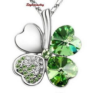 ネックレス スワロフスキー クローバーグリーン Green 18k White Gold Plated Made with Swarovski Crystal Four Leaf Clover Necklace N55 aurora-and-oasis
