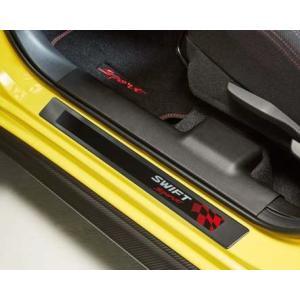ヨーロッパ純正オプションのドアスカッフプレートです。  カーボン調プラスチックでフロント側にSWIF...