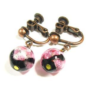 イヤリング ピンクの丸玉:ほたる玉イアリング  ほたる石、ほたるガラス、ほたる玉、ホタルガラス、ホタル石、ホタル玉|awamori-zizake