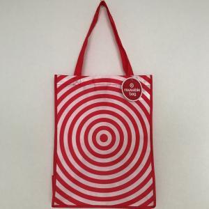 ロコに大人気の大型スーパーマーケット『TARGET(ターゲット)』のショッピングバッグ。 ターゲット...