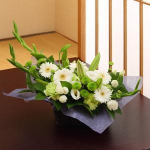 季節のお花 おまかせ お供えフラワーアレンジメント テーブルサイズ ayahadio