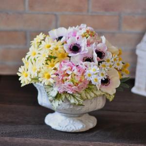 アーティフィシャルアレンジメント「Plaisir」可愛いピンクと黄色のアーティフィシャルアレンジメント|ayanasu-hanakobo