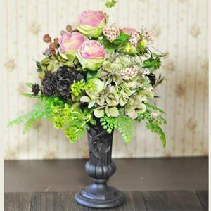 おおきなサイズのアーティフィシャルアレンジメント「Aile rose」シックなピンクアレンジ。 ayanasu-hanakobo