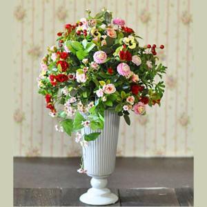 可愛い花をたくさんあつめたアレンジメント「Petites fleurs」|ayanasu-hanakobo