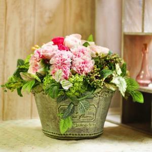 ロマンティックピンクのプリザーブドフラワーアレンジメント 「Sucrer」 大きいサイズ|ayanasu-hanakobo