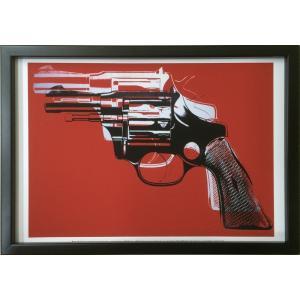 アートフレーム Andy Warhol  Guns, c.1981-82 (white and black on red)|ayuwara