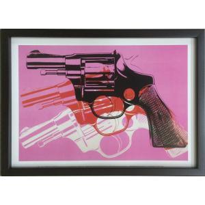 アートフレーム Andy Warhol  Gun, c.1981-82 (black, white, red on pink)|ayuwara