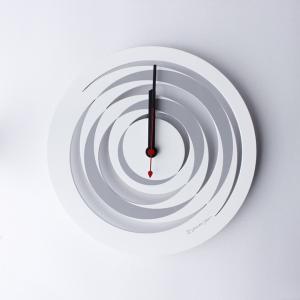 時計 spiral CLOCK 白色 ヤマト工芸 yamatojapan/ウォールクロック インテリア 壁掛け ギフト プレゼント 新築祝い おしゃれ アート ayuwara