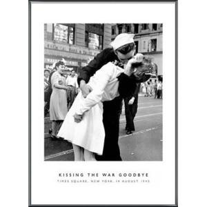タイムズスクェアでの終戦祝賀のキス(ヴィクター ジョージェンセン) 額装品 アルミ製ベーシックフレーム|aziz
