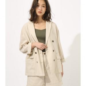 綿麻のナチュラルな風合いと、ポリレーヨンのしなやかさが特徴の春ジャケットです。 程よい抜け感の中にも...