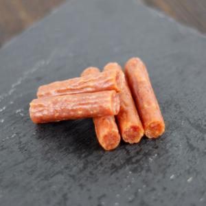 最上等級A5クラス 飛騨牛 プレミアム サラミ RED ベビー(105g) サラミ カルパス 唐辛子 ミールキット レンチン  (ポスト投函-1)|azusaya