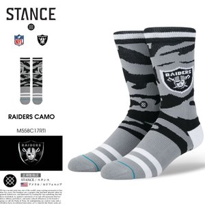 フットボール チームのオークランド・レイダーズ(Oakland Raiders)をデザインした靴下 ...