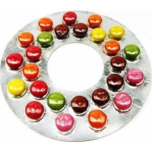 ◆高温でも溶解しにくい糖衣チョコ。天然色素でカラフルな仕様になっております。 ブリスター自動包装機で...