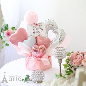 可愛らしく、エレガントらしさもプラスした 「アニバーサリー」バルーンアレンジ 結婚や誕生日プレゼント...