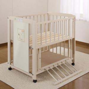 ベビーベッド キンタロー「ミニスヌーピー棚付エコ(ホワイト) ひのきすのこ床板ミニふとんA付」ベビーふとんとミニベッドのセット babybed