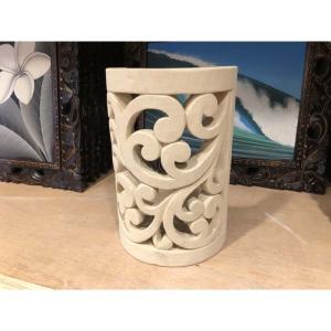 美しい透かし彫りのライムストーンのオブジェです。 やさしい色合いでお部屋をリゾート風に演出してくれま...