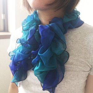 Ballett グラデーションシャーリングスカーフ ふんわりやわらか ワンタッチかんたん装着  日本製 ご家庭で洗濯可 ballett