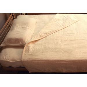 料のオーガニック綿花だけでなく、織り上げ後の加工作業にも丁寧に時間を掛けて仕上げています。その為、柔...