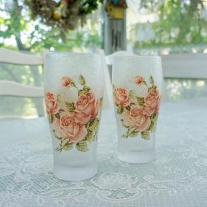 すりガラスのビヤーグラスは上品な佇まい。 楽しく華やかな乾杯の時間を演出します。   ■サイズ:口径...