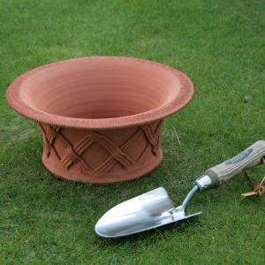 英国 ウィッチフォード シャロー バスケットポット 直径28センチ(約9号鉢)のテラコッタ/送料無料/|baroness