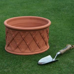 英国 ウィッチフォード オーバル バスケットポット 直径34センチ(約11号鉢)のテラコッタ/送料無料/|baroness