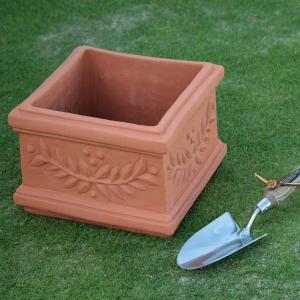 英国 ウィッチフォード スクエア プランター 直径28センチ(約9号鉢)のテラコッタ/送料無料/|baroness
