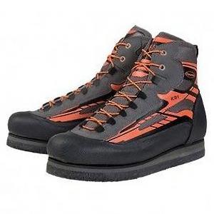 フェルトソールの沢靴です。 フェルト素材のソールは水を吸収しながら足場を捉えるため、 ヌメリや苔むし...