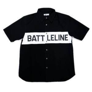 ***商品説明***  ブラックボディの身頃にホワイトで切り返しを施したBATTLELINE (バト...