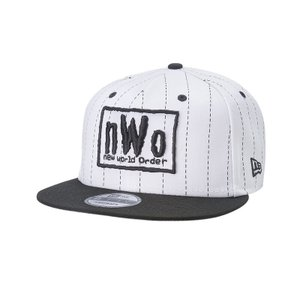 WWE nWo Hall of Fame 2020 Pinstripe New Era 9Fifty スナップバックキャップ/帽子|bdrop