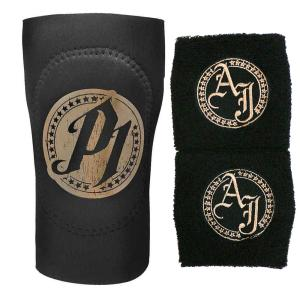 WWE AJ Styles(AJスタイルズ) Black/Gold リストバンド&エルボーパッドセット bdrop