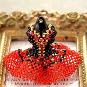ビーズ キット レシピ 【ミニチュアドレスチャームキット】ドン・キホーテ(ブラック&レッド)|beadsmania-shop