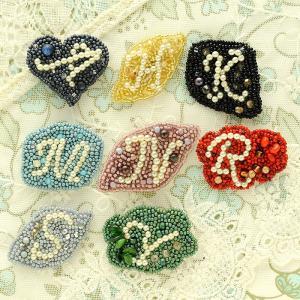 ビーズ 刺繍 キット アルファベットのブローチ|beadsmania-shop