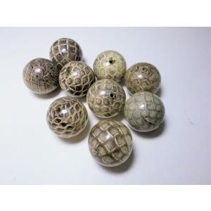 ヘビ皮封入ビーズ 18mm|beadsshopj4