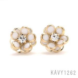スイート フラワーストーンピアス ホワイト KAVY1262|behatu