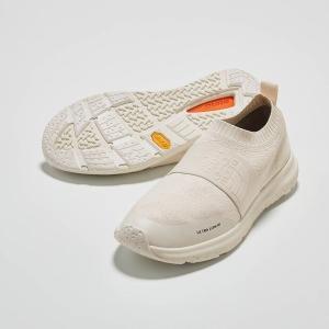 ●片足の重さ約190g(6(24cm)の場合) ●素材/合成繊維、ゴム底 ●ベトナム製
