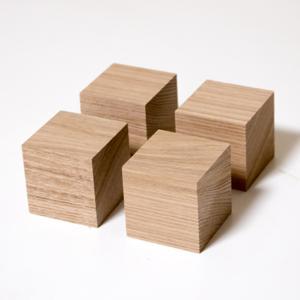 川島材木店 スピーカー用キューブ プレーヤー台 アッシュ材 (4個1セット)|beniyamokuzaicom