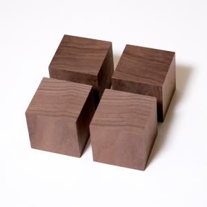川島材木店 スピーカー用キューブ プレーヤー台 ウォールナット材 (4個1セット)|beniyamokuzaicom