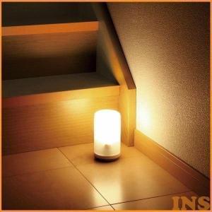 LED センサー ライト 人感センサー 乾電池式 BSL-10L アイリスオーヤマ LED照明器具...