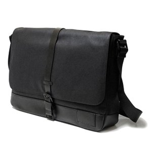Calvin Klein 29750196 ブラック メッセンジャーバッグ ショルダーバッグ  カルバンクライン|bheart