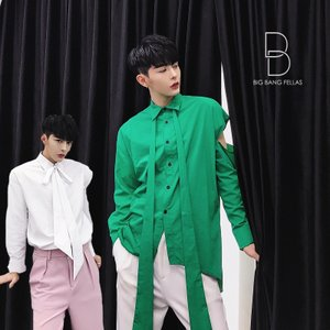 ■コメント■       リボン付きのデザインが特徴的なシャツ。       袖のデザインなど他との...