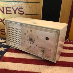General Electric ヴィンテージ ラジオ 時計 アラーム機能 bigbear-usa