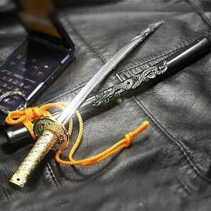日本刀ミニチュアキーホルダー 神龍刀 (特大) 昇り龍 ブラック|bigstar