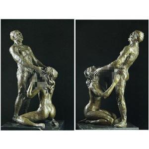 大人気ブロンズ像である。男女の独特の表情、曲線を表現した素晴らしい作品である。    ・高さ:35セ...